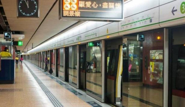 «ادفع ثمن التذكرة بوجهك».. تقنية جديدة في قطارات الصين