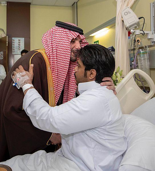 لقطات لزيارة وزير الداخلية رجال الأمن المصابين في هجوم الزلفي الإرهابي