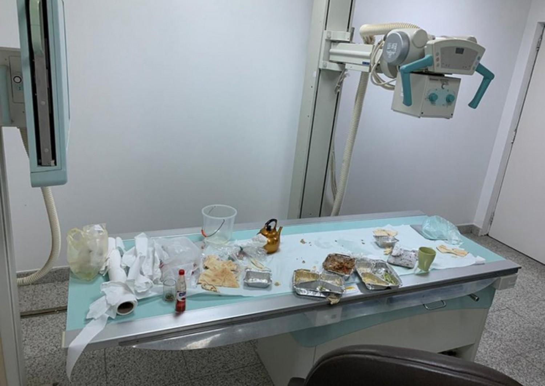 جهاز أشعة يتحول إلى سفرة طعام وصحة جازان تعلق!