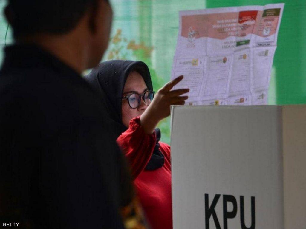 الإرهاق يودي بحياة 270 موظفا في انتخابات إندونيسيا