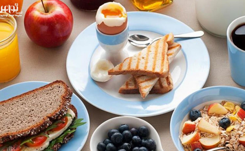 أخصائي أمراض قلب يشدد على أهمية تناول «الإفطار»