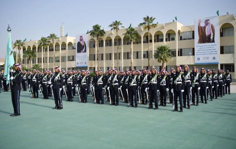 كلية الملك خالد العسكرية تعلن فتح التقديم لحملة الشهادات الجامعية