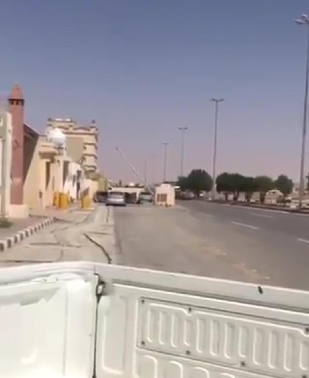 #عاجل إحباط هجوم إرهابي على مركز مباحث الزلفي ومقتل إرهابيين!