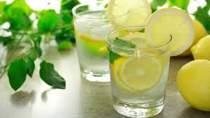 10 فوائد لشرب الماء بالليمون