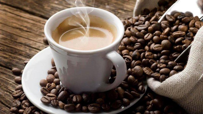 نصائح لمدمني القهوة لتجنب الإصابة بالصداع في نهار رمضان