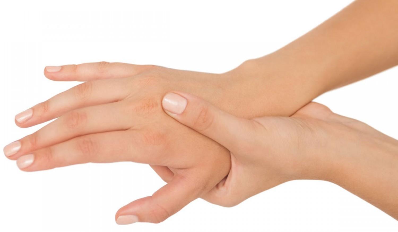 هل تعاني من تنميل اليدين أثناء النوم؟.. إليك كيفية التصرف