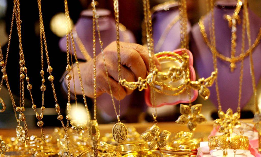 الذهب يسجل ذروته في 6 أعوام