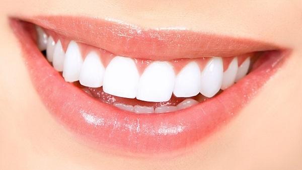 تحذير من بعض مواد تبييض الأسنان: تسبب سرطان الفم واللثة