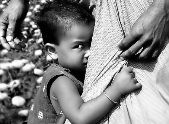 كيف تجعل طفلك يتغلب على مخاوفه غير المبررة
