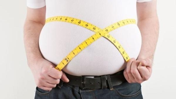 """نصيحة علمية بـ""""عادة غير محببة"""".. من أجل فقدان الوزن"""