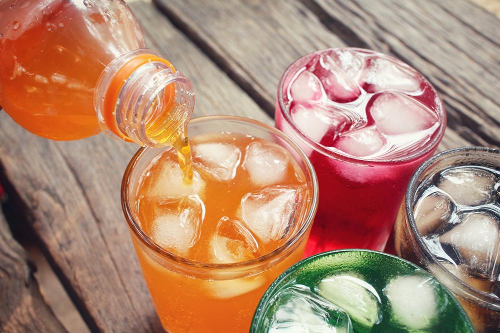 الزكاة والدخل تعلن موعد بدء تطبيق الضريبة الانتقائية على المشروبات المحلاة