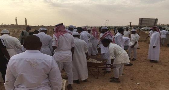 بالفيديو والصور.. جنازة ضحايا فاجعة الرياض في مشهد يفطر القلوب
