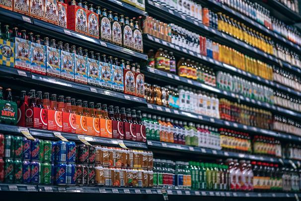 دراسة تكشف: هل السكر الموجود في العصائر والمشروبات الغازية والعصائر تتسبب بالسرطان؟