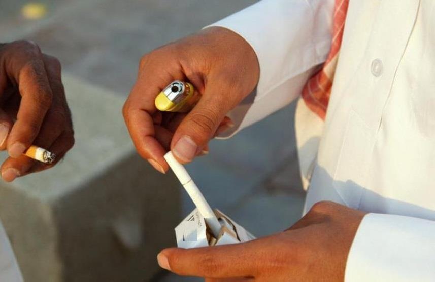 تصل إلى 25 ألف ريال.. تعرّف على غرامات قرار حظر التدخين في أماكن العمل