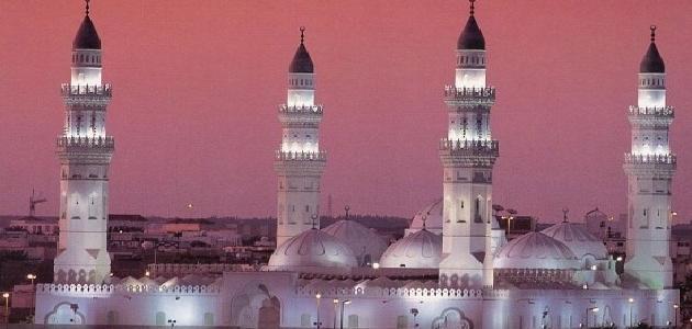 ماذا تعرف عن مسجد القبلتين وسبب تسميته؟