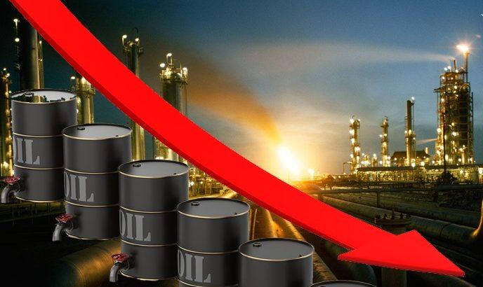 النفط يهوي لأدنى مستوى في 7 أشهر