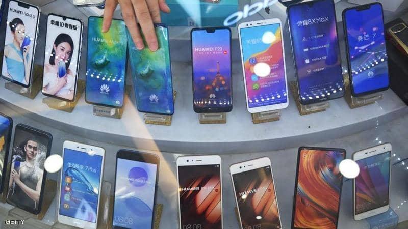 """""""تطبيقات جوجل"""" تهدد مبيعات هاتف هواوي الجديد"""