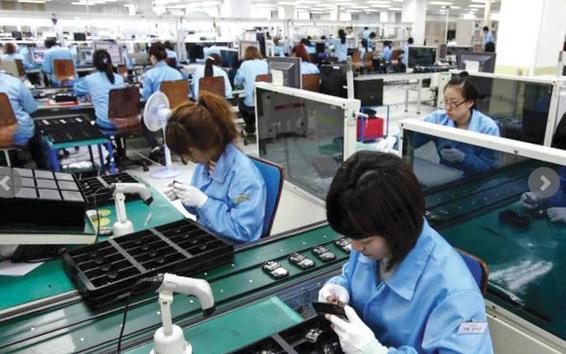 فتح الملفات القديمة .. تهديد ياباني بخنق صناعة الإلكترونيات الكورية