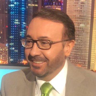شاهد .. مواطن سعودي يجلد فيصل القاسم