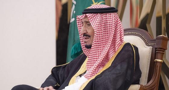 فيديو نادر للملك سلمان مع عدي صدام حسين