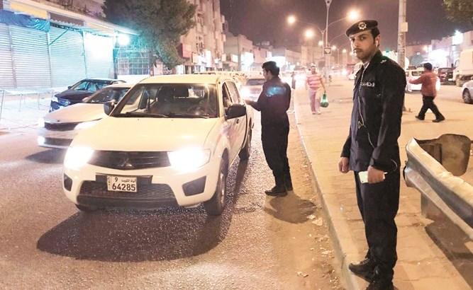 خدشا الحياء العام في المركبة ونشرا الواقعة على سناب شات!