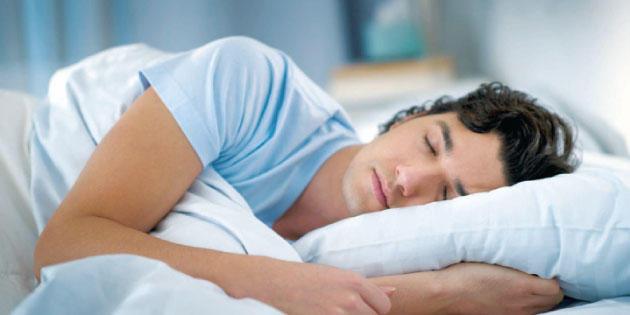 دراسة تكشف ما يفعله النوم الزائد بجسم الإنسان