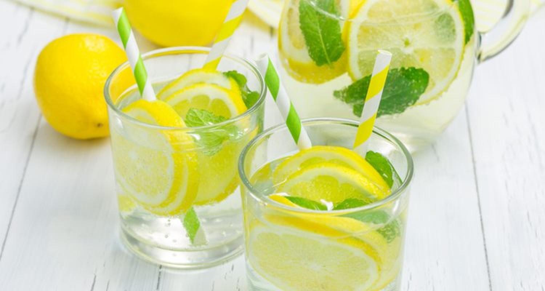 أفضل مشروب تبدأ به يومك.. يفيد المعدة والبشرة والعيون ويقاوم السرطان