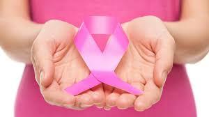 أعراض تنذر المرأة بالإصابة بسرطان الثدي.. تحذير من عادات خطيرة