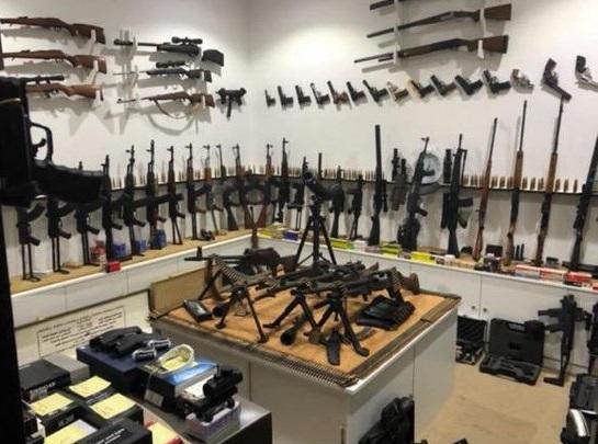 أبشر يسهل حصول الأفراد على السلاح في معرض الصقور والصيد السعودي