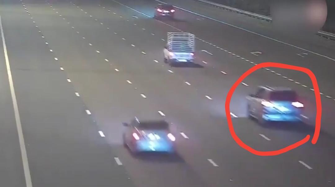 لكل من يستخدم الجوال أثناء قيادة السيارة .. شاهد الفيديو