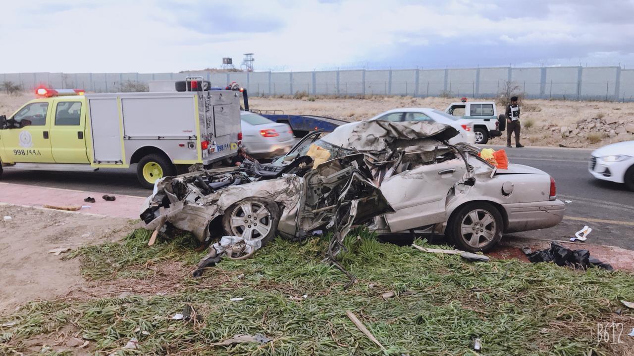 حادث مؤلم .. 7 وفيات و3 إصابات على طريق تندحة- الرياض