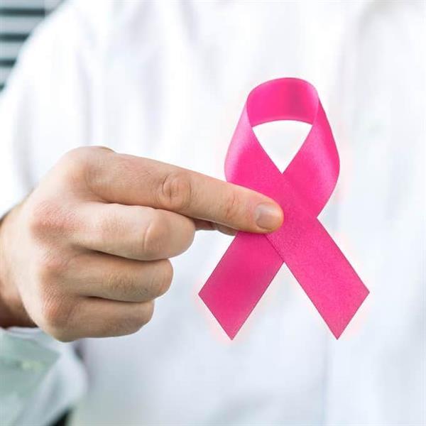 """""""الغذاء والدواء"""" توضح أعراض الإصابة بسرطان الثدي وأهمية الفحص المبكر"""