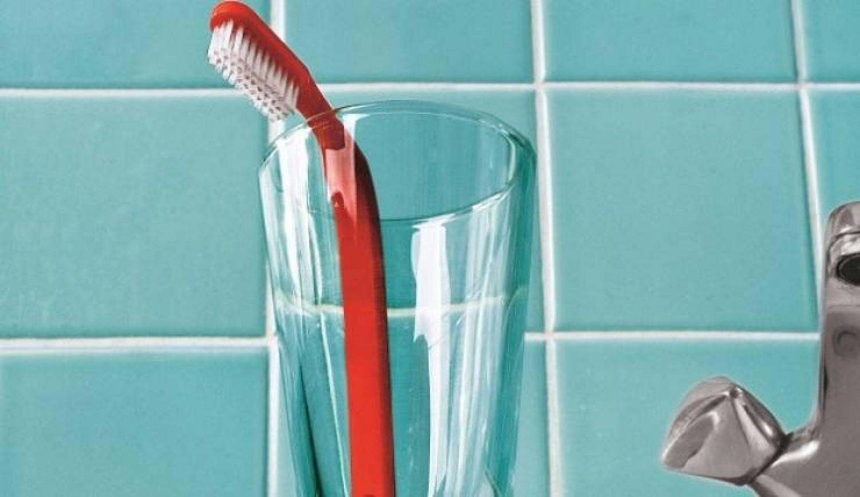 احترس منها.. أخطاء نرتكبها عند تخزين فرشاة الأسنان