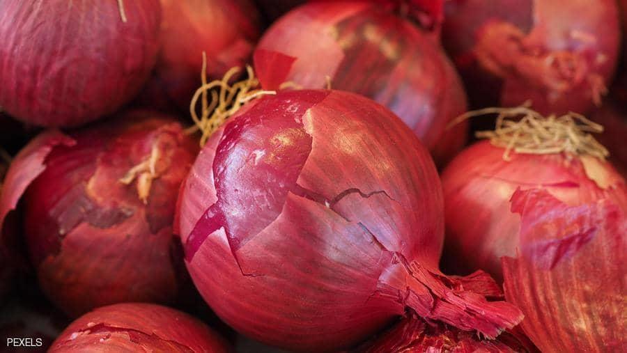 أيهما أفضل للصحة.. البصل الأحمر أم الأبيض؟