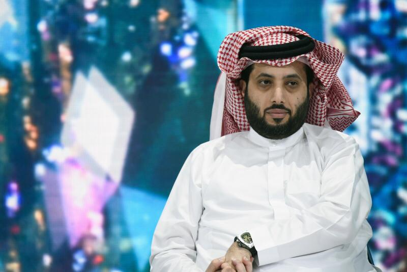أبيات شعرية جديدة لتركي آل الشيخ: تهون في عيني جميع الخيانات.. إلا خيانة واحد واثق فيه