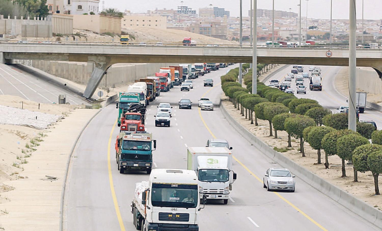 5 توجيهات مهمة من أمن الطرق لسائقي الشاحنات