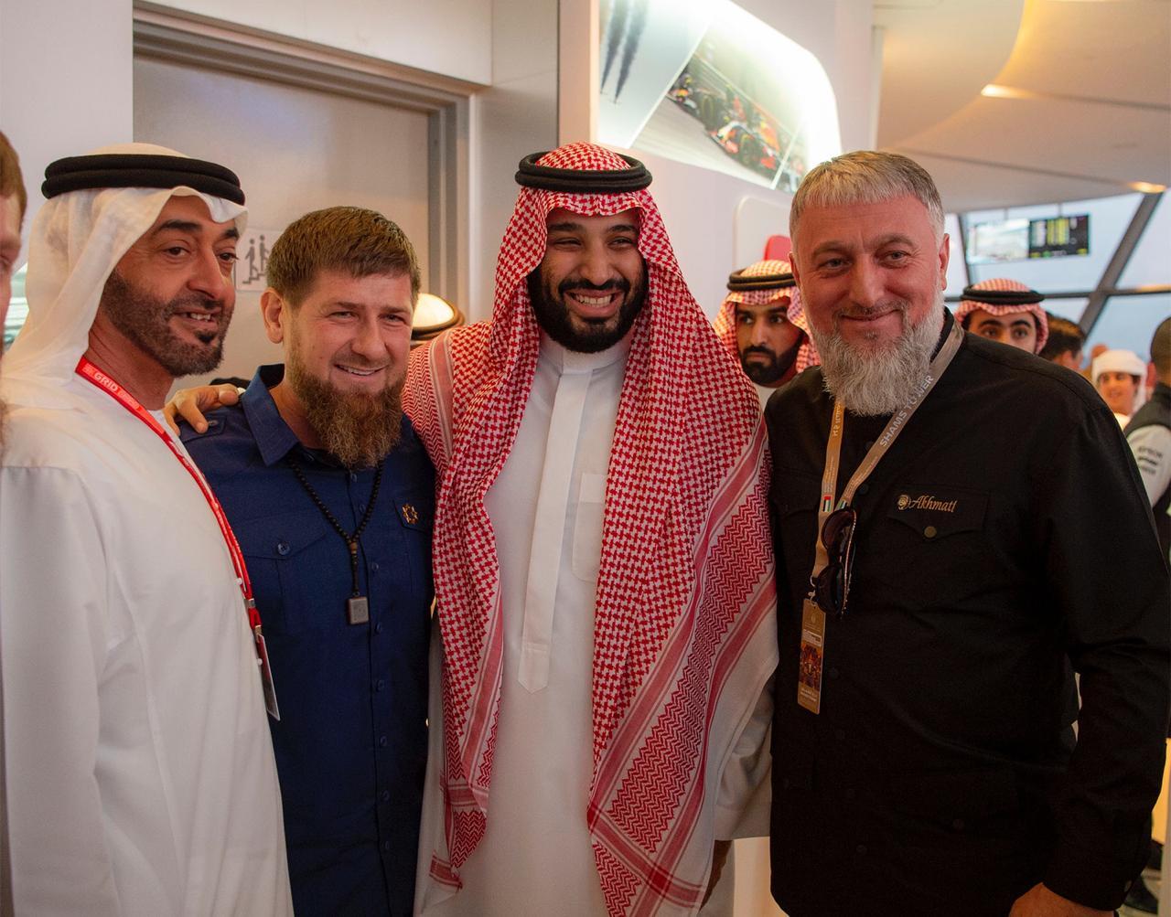 محمد بن سلمان يشهد سباقات الفورمولا 1 في #أبوظبي