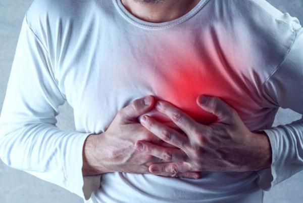 النمر يحذر من خطر الحزن: يسبب جلطات القلب