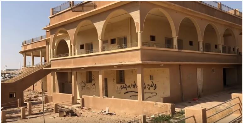 """فيديو.. تعرف على تاريخ قصر الملك خالد بالرياض وسبب تسمية حي """"أم الحمام"""" بهذا الاسم"""