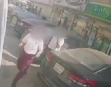 """""""الأمن العام"""" ينشر فيديو السطو على عربتي نقل أموال بالبديعة والشفا.. ويطيح بالمتهم الثالث"""