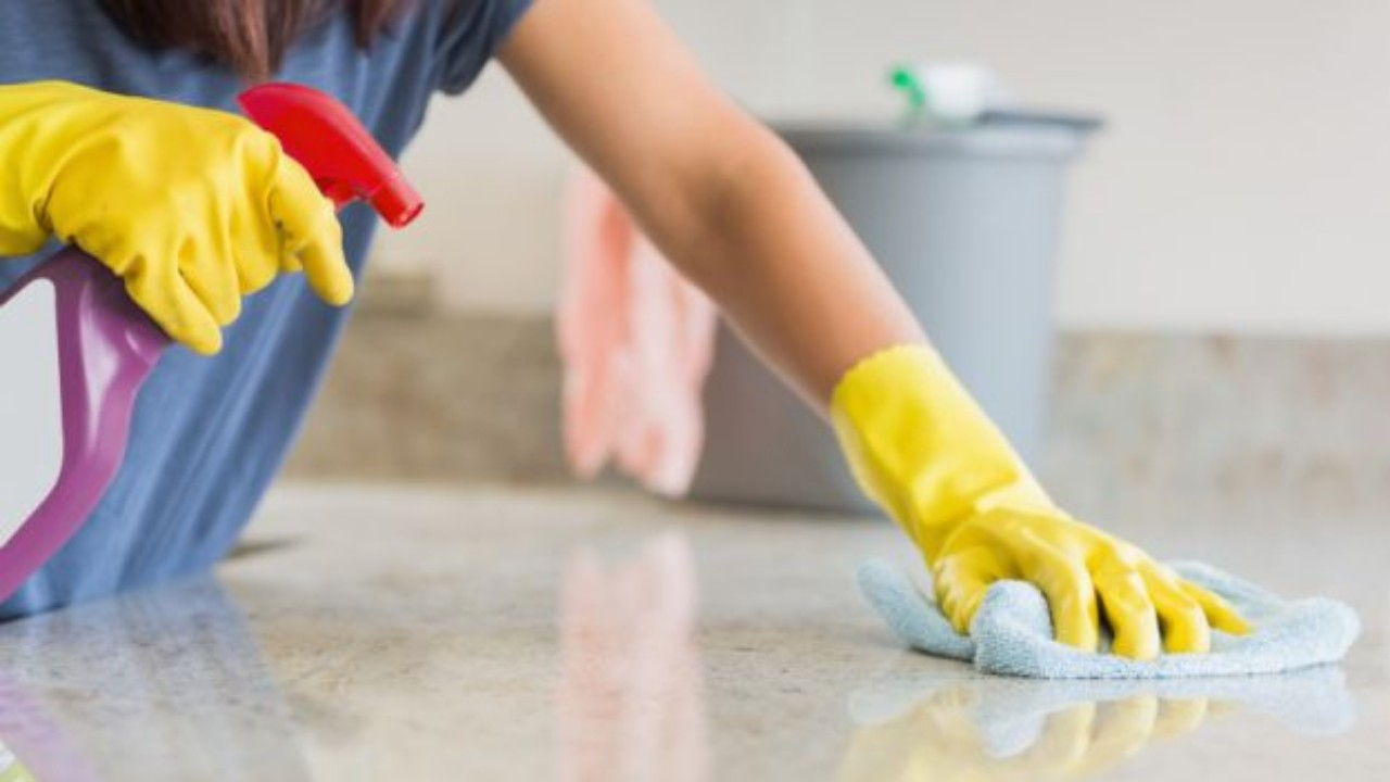 الطريقة الصحيحة لتطهير المنزل لمنع العدوى