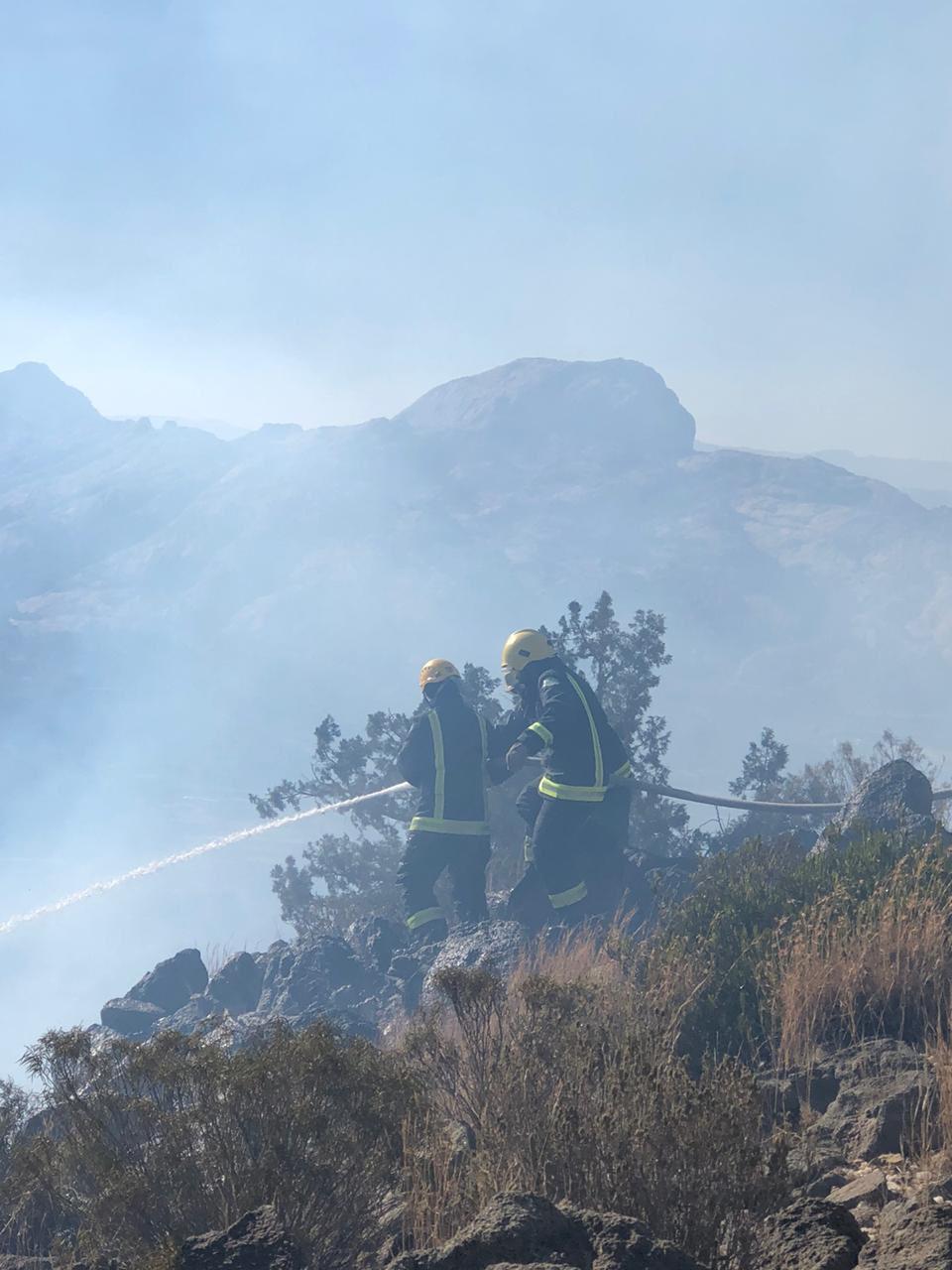 شاهد.. فيديو من الأجواء يوثق الأضرار الناجمة عن حريق تنومة