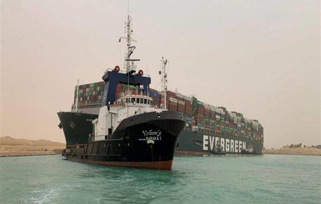 """مصر.. تأجيل دعوى الشركة مالكة السفينة """"إيفرغيفن"""" ضد قرار حجزها"""