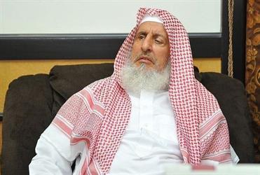 المفتي العام يوضح حكم وضع مصباح فوق منارة المسجد لبيان أن الصلاة مقامة عوضًا عن مكبرات الصوت