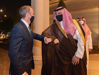 الأمير خالد بن سلمان يلتقي وزير خارجية بريطانيا ويبحث معه العلاقات الثنائية