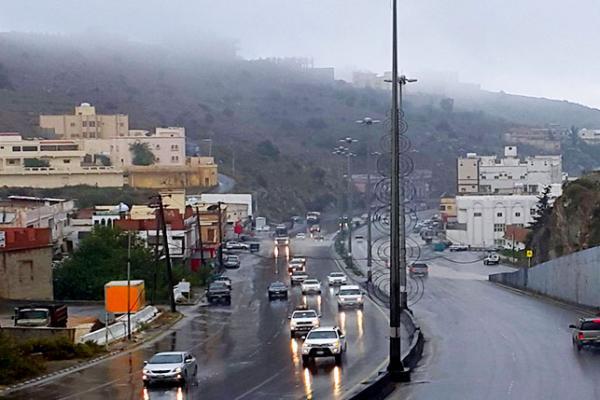 استمرار هطول أمطار رعدية من متوسطة إلى غزيرة على مناطق (نجران، جازان، عسير ،الباحة ،مكة المكرمة)
