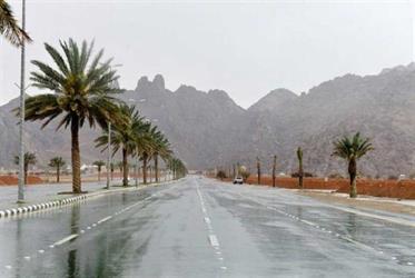"""""""الإنذار المبكر"""": تنبيهات بأمطار على الرياض والمناطق الجنوبية.. ورياح مثيرة للأتربة في مكة"""