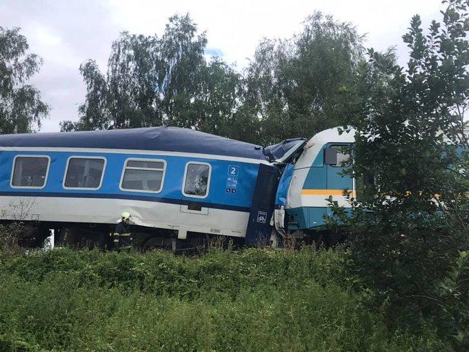 تصادم قطارين في التشيك.. قتيلان وعشرات المصابين