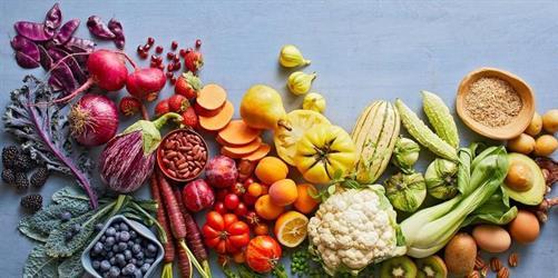 محذرًا من أطعمة معينة.. طبيب روسي يحدد قائمة غذائية للمتعافين من السرطان